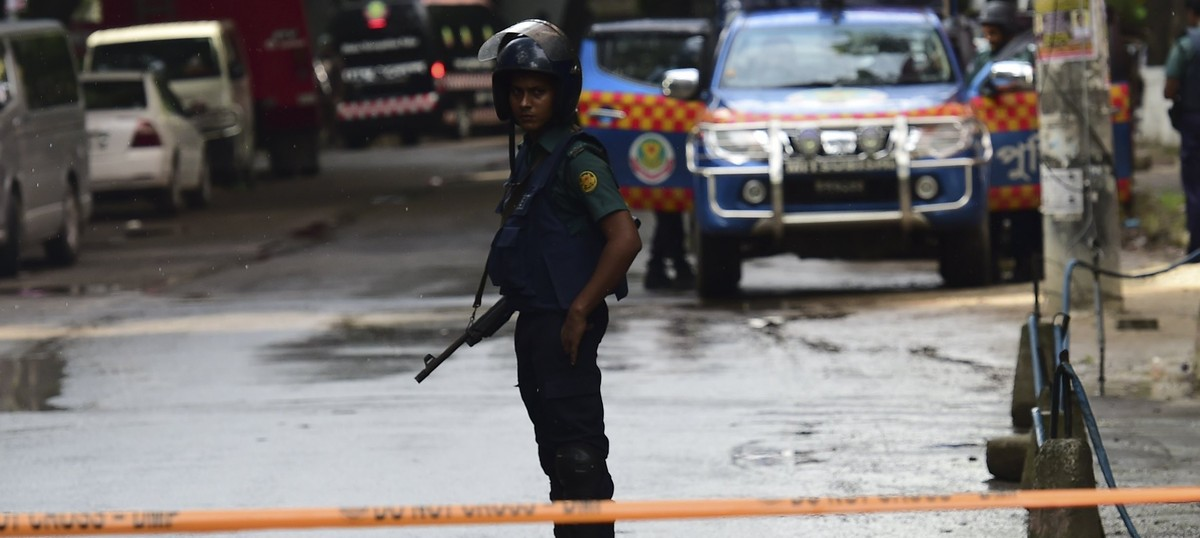 Dhaka attack: Bangladesh police say they might have killed a hostage by mistake