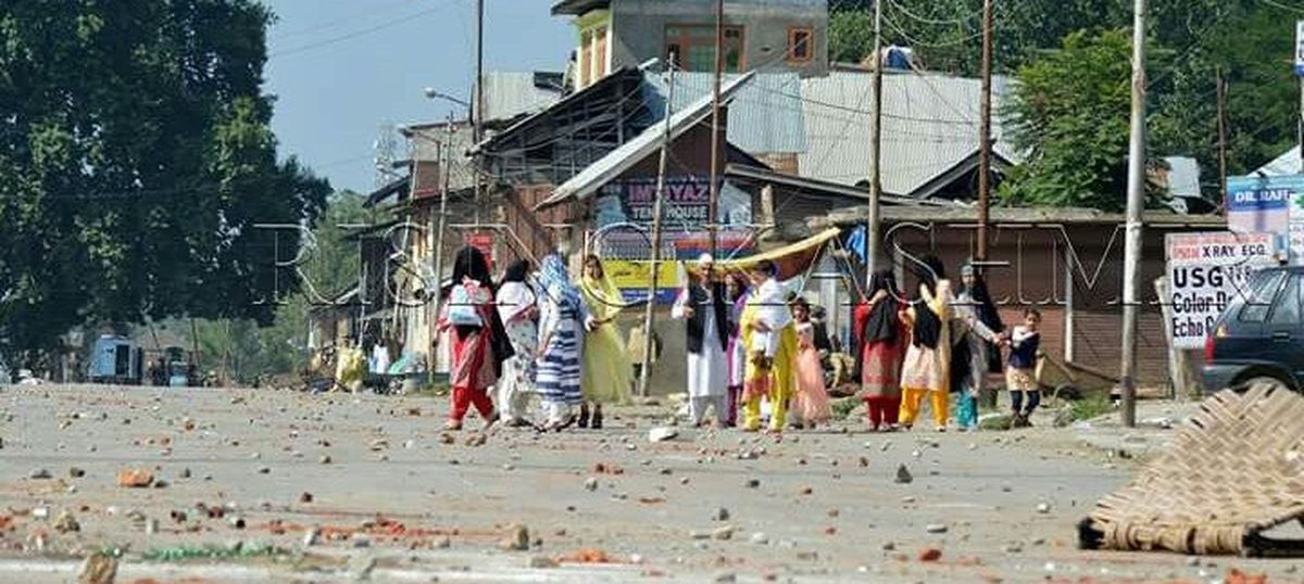 21 security personnel injured in Kashmir after protests break out amidst Eid celebrations