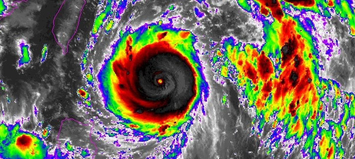 Super typhoon Nepartak makes landfall in Taiwan, thousands evacuated
