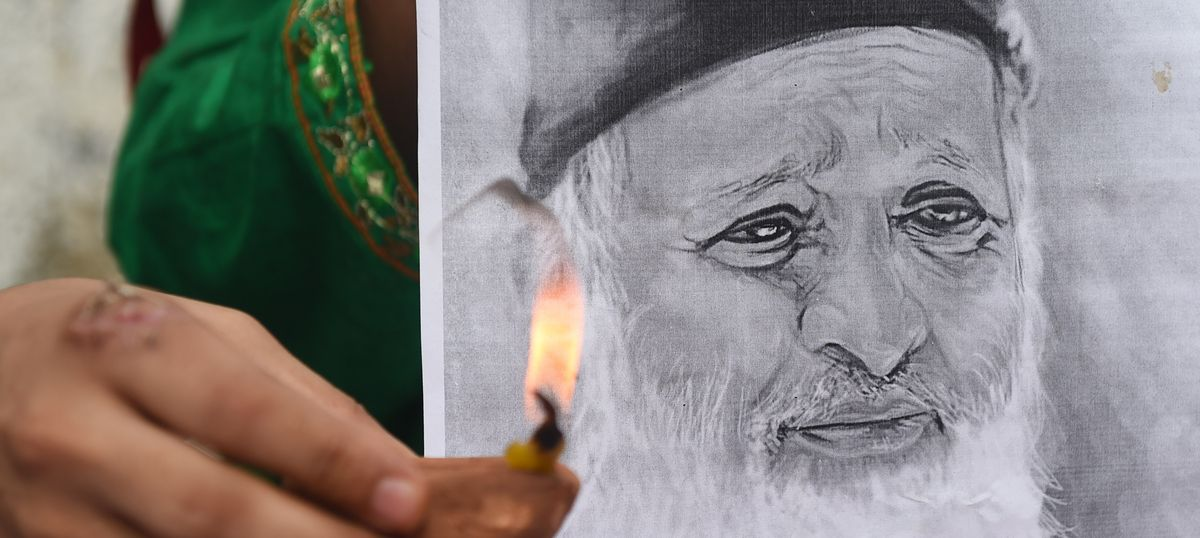 View from Dawn: Pakistan has co-opted Edhi after his death