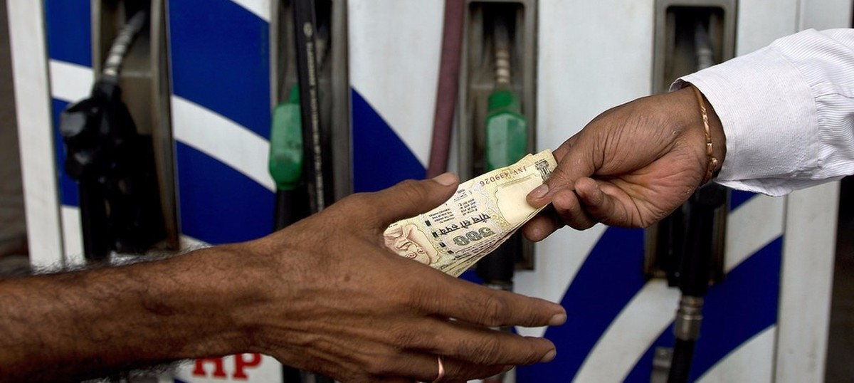 Price of petrol slashed by Rs 2.25 a litre, diesel by 42 paise a litre
