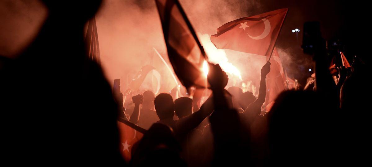 Turkey coup attempt: Arrest warrant issued for US-based Islamic preacher Fethullah Gülen