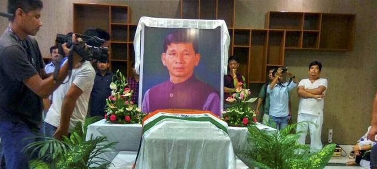 Fearing public ire, Congress leaders skip  funeral of Arunachal ex-chief minister Kalikho Pul