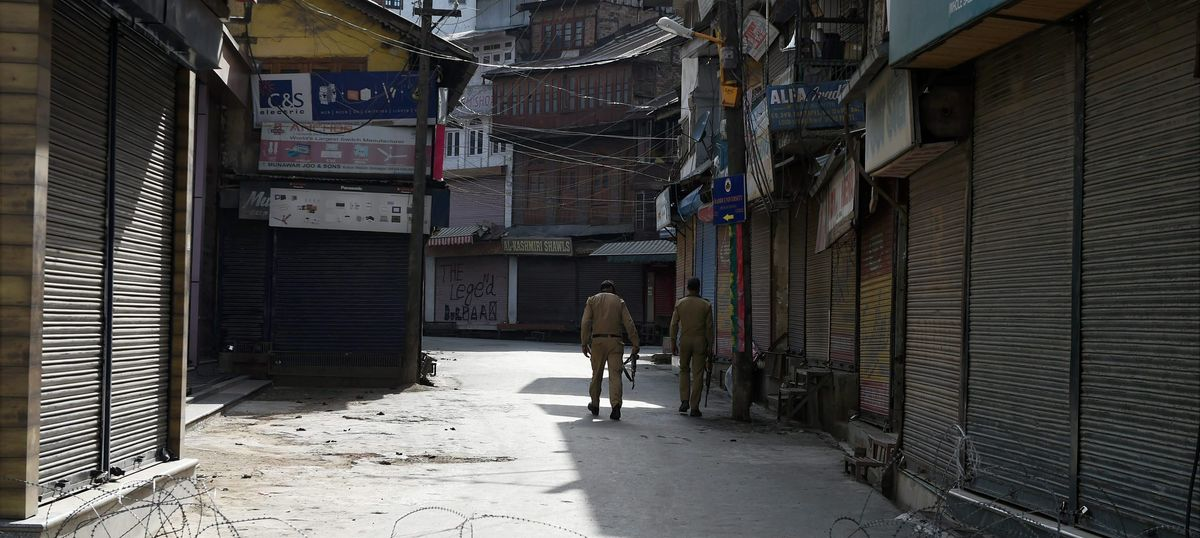 Mobile phone services partially restored in Kashmir as curfew continues for 43rd day