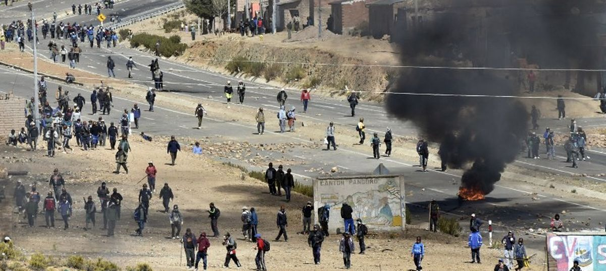 Bolivia: Deputy Interior Minister Rodolfo Illanes beaten to death by protesting miners, 100 arrested