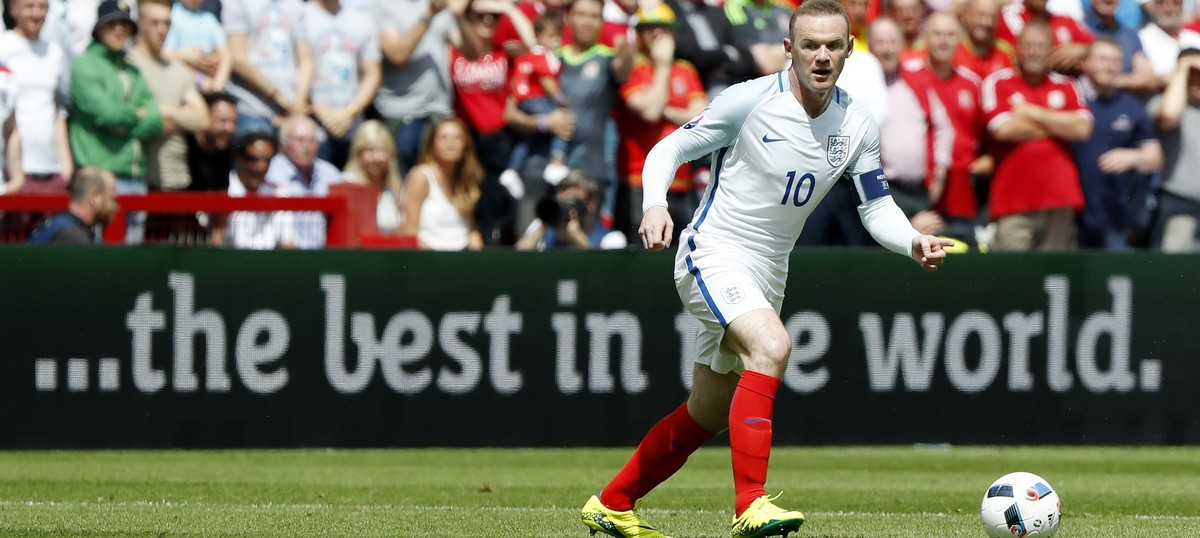 England captain Wayne Rooney announces retirement from international football after 2018 World Cup