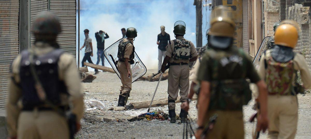 Kashmir: Two civilians killed, dozens injured in clashes despite curfew across Valley on Bakr-Eid