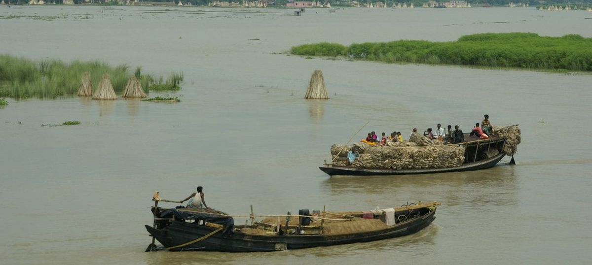 Farakka barrage may have worsened the floods in Bihar, but removing it will pose other problems