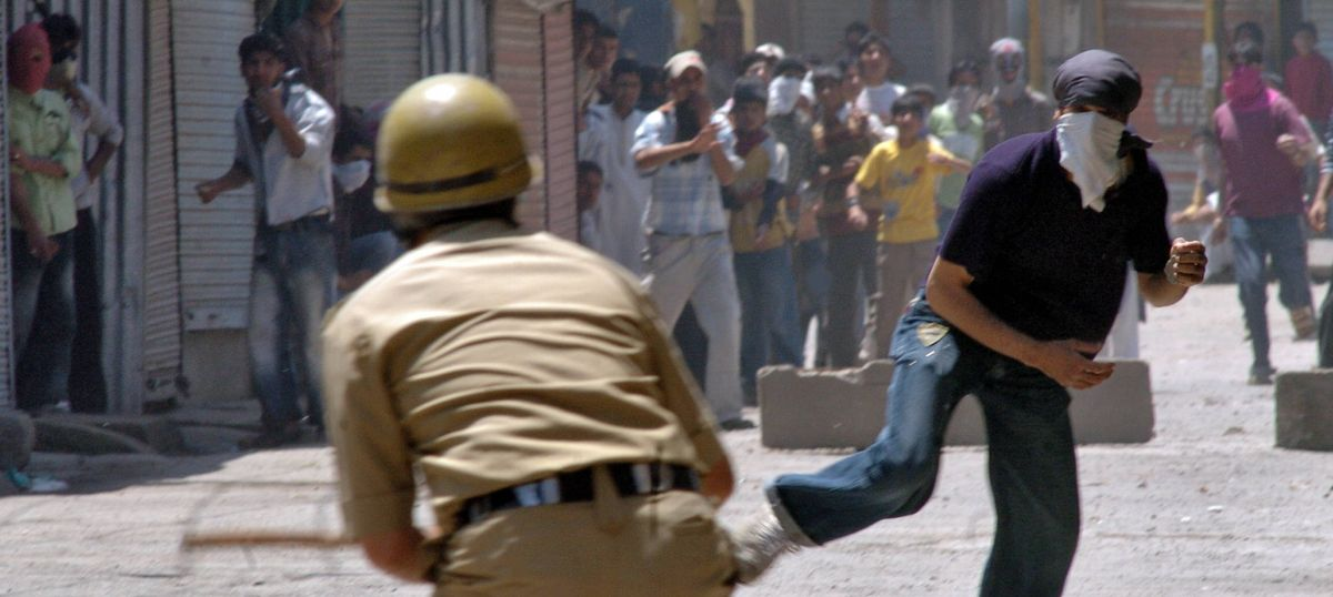 Pelters and 'pelleters': What Kashmir can learn from the stoning of the devil at the Haj
