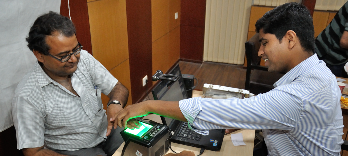 Despite the Supreme Court, you need Aadhaar to get a loan from microfinance companies
