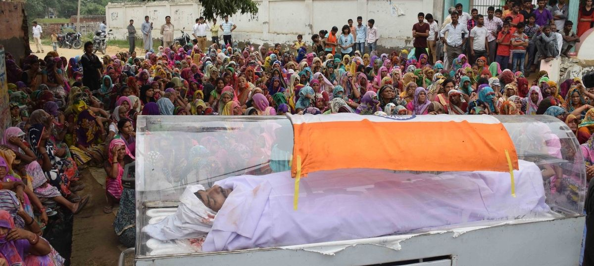 In Dadri, a man accused of murder, martyred by a fever, is revered like a soldier