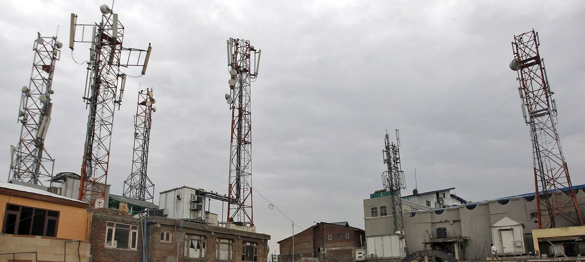 Indian government raised $9.9 billion in the largest spectrum auction