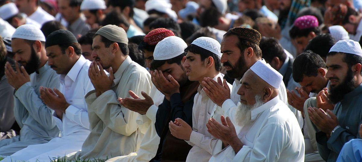 Triple talaq row: Muslim law board will boycott law panel's questionnaire on the uniform civil code