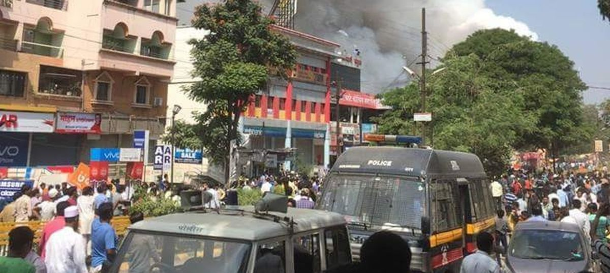 At least 150 stalls and 30 vehicles destroyed in fire at Diwali market in Aurangabad