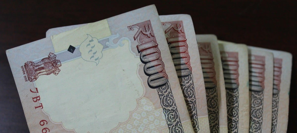 What you need to do with your Rs 500 and Rs 1,000 notes