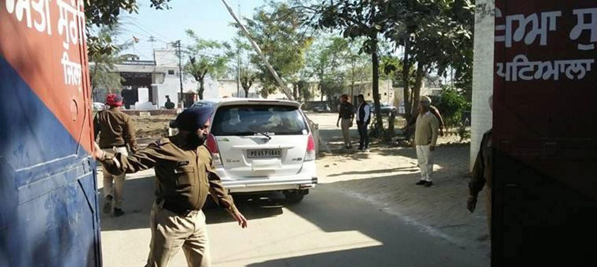 One shot dead after Punjab Police mistake four women to be Nabha jail fugitives: Economic Times