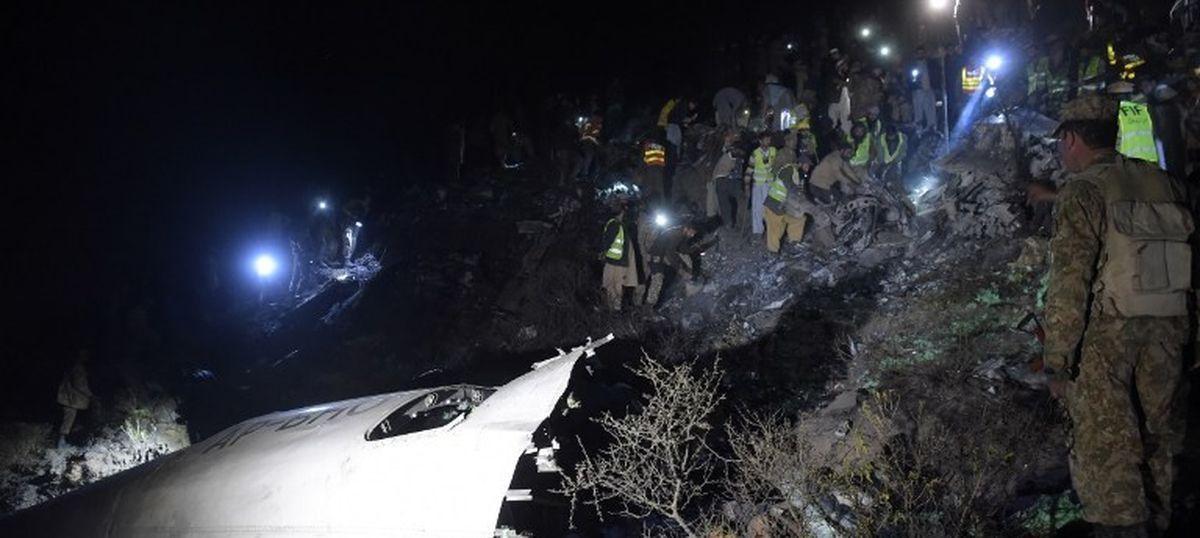 The big news: Airline chief says Pakistan plane that crashed was fit to fly, and 9 other top stories