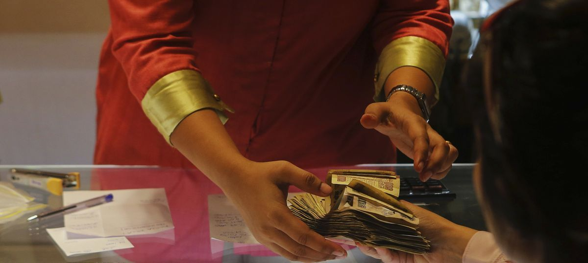 Tamil Nadu: I-T officials seize Rs 24 crore in new Rs 2,000 notes