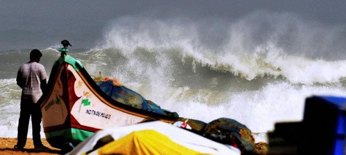 Heavy rainfall alert issued as cyclone Vardah likely to hit Andhra Pradesh, Tamil Nadu on Monday