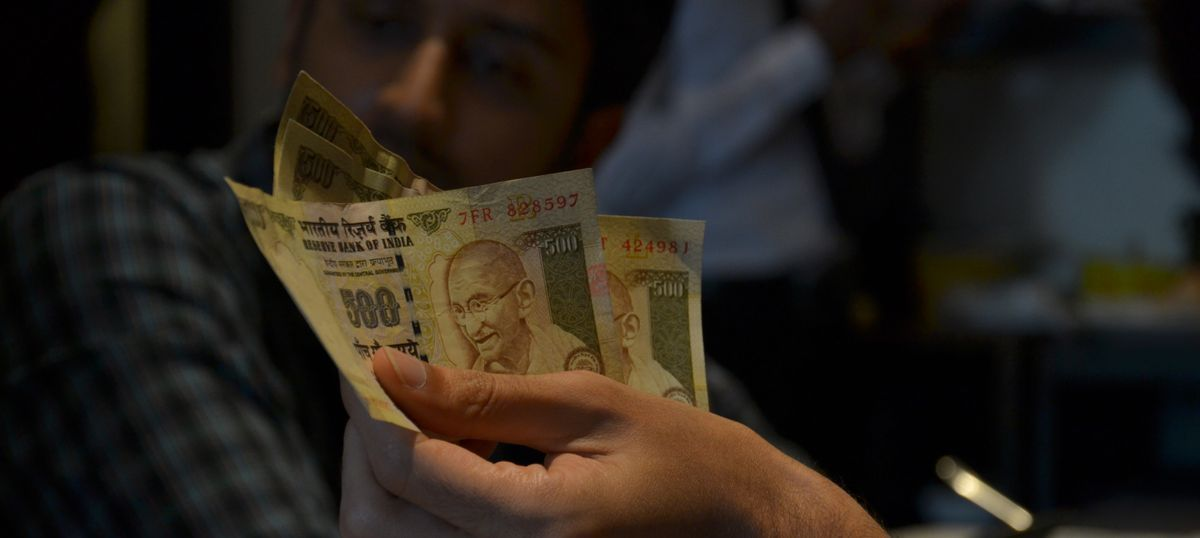 Cabinet passes ordinance penalising citizens for holding old notes beyond March 31: Reports