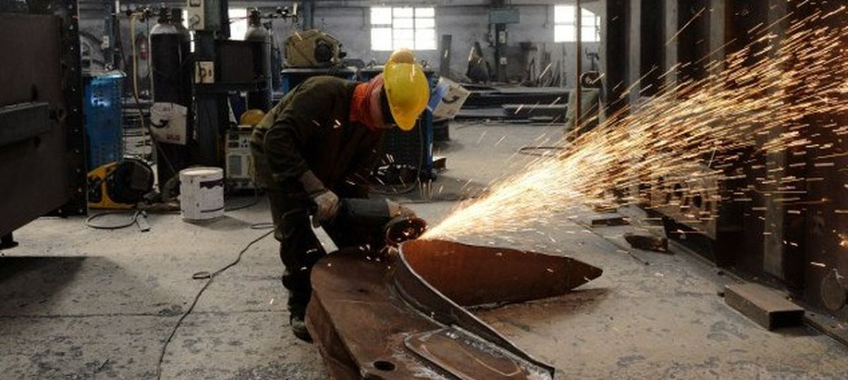 Output growth in eight core industrial sectors slows to 4.9% in November