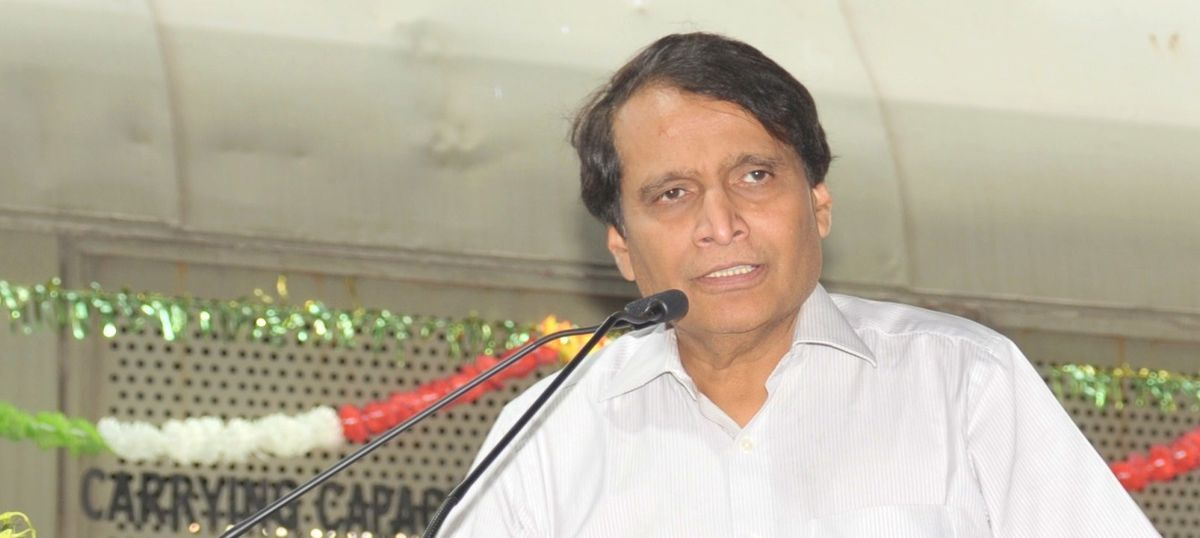 Suresh Prabhu orders probe after man dies in 'Raees' promotional event at Vadodara station