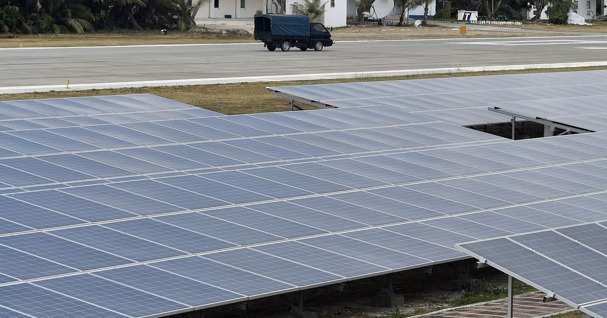 China is trying to reduce poverty by developing solar power – but households aren't convinced