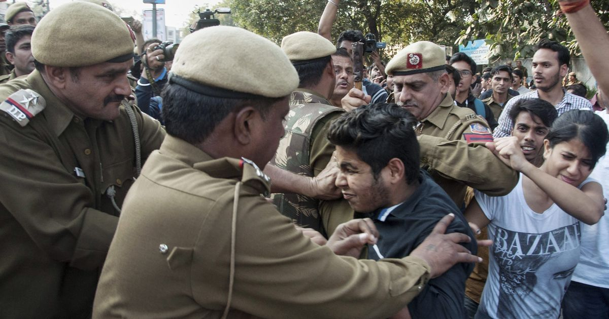 Ramjas College: ABVP and AISA clash during protest against cancellation of Umar Khalid's talk