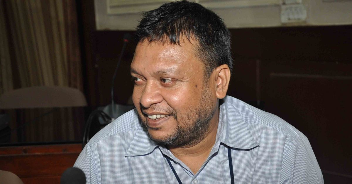 An IAS officer complains to the police about forgery committed by Bihar's CM.