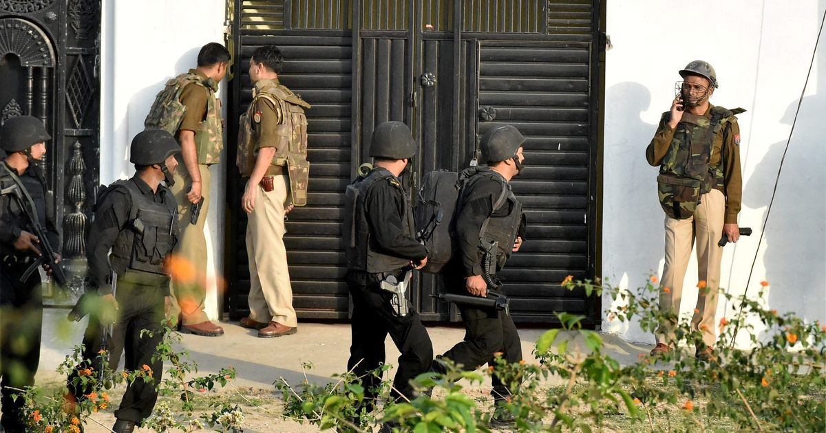 Lucknow encounter: Ex-IAF employee arrested, believed to have led Bhopal train blast operation