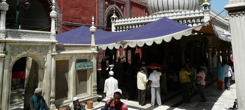 Two clerics from Delhi's Nizamuddin Dargah go missing in Pakistan