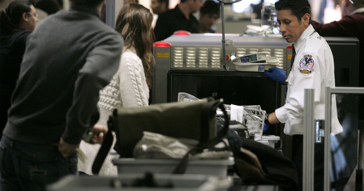 After US, UK bans electronic devices on flights from six countries