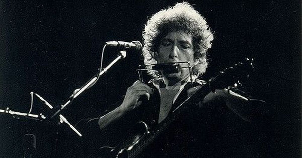 Bob Dylan has finally decided to accept his Nobel Prize for Literature