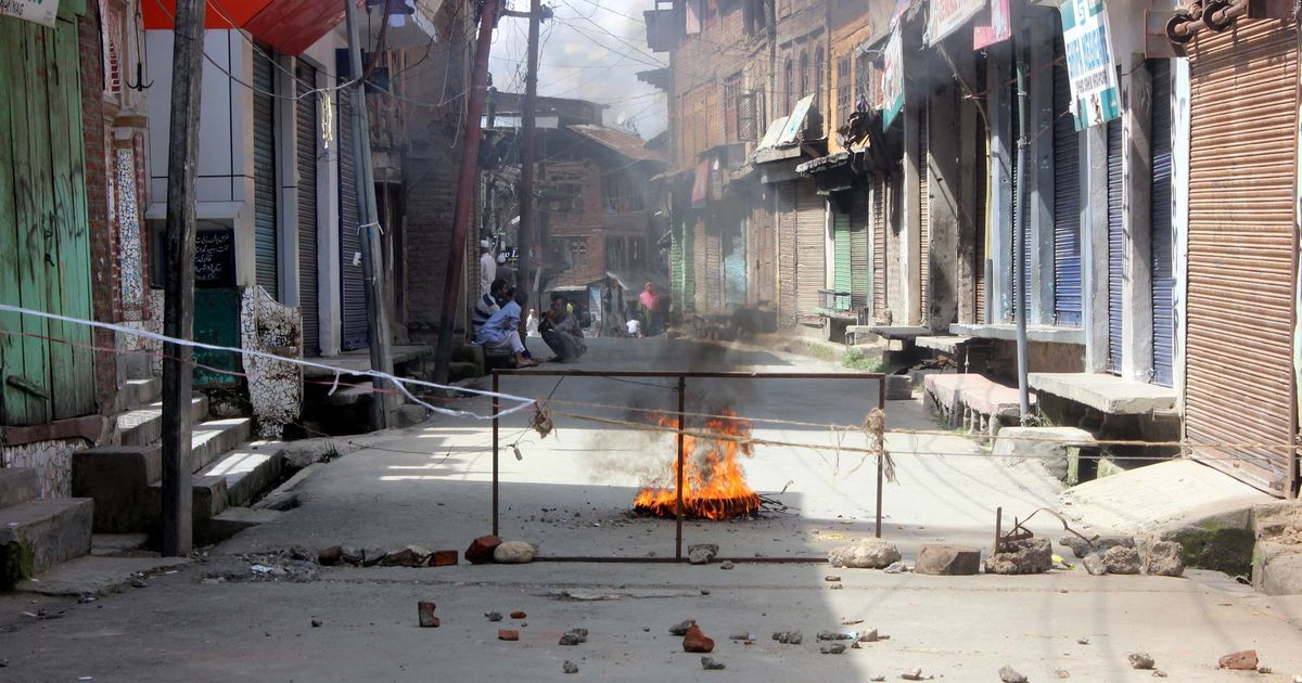 'Going to an encounter site is as good as committing suicide,' J&K Police urge youths to stay away