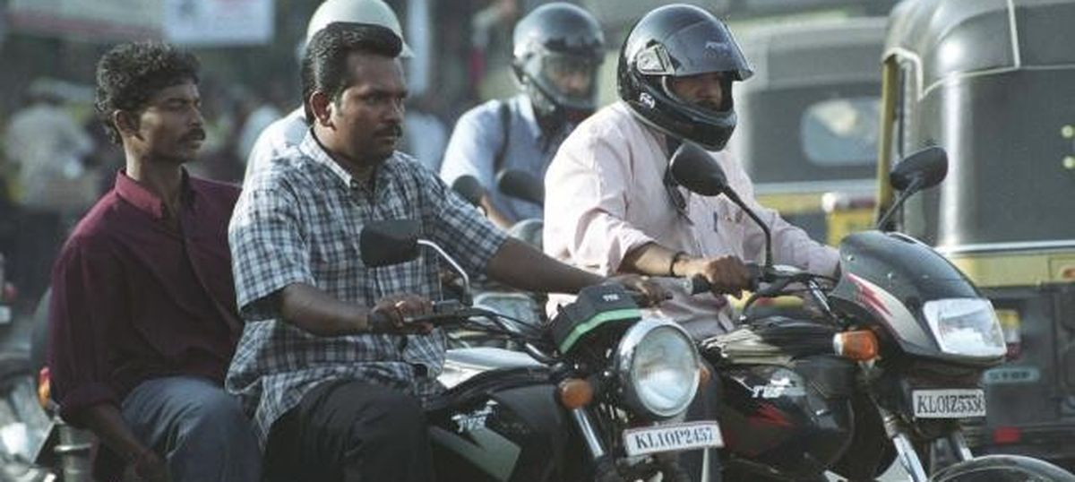 Dealers offer huge discounts on two-wheelers before the BS-IV emission norms roll out