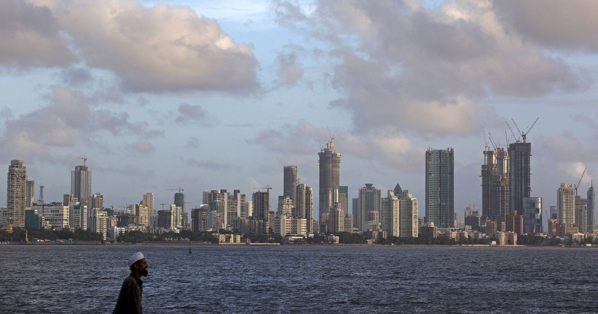 Mumbai on high alert after Coast Guard says terrorists trying to enter city by sea: Report