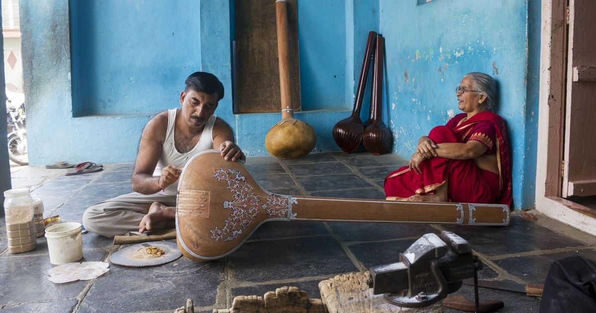 Photos: Turning pumpkins into tanpuras and India's other living crafts traditions