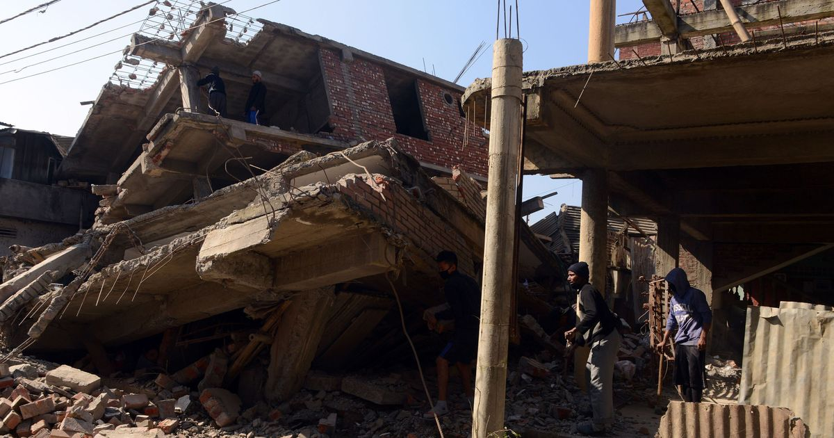 China: 5.5-magnitude earthquake in Xinjiang province kills eight