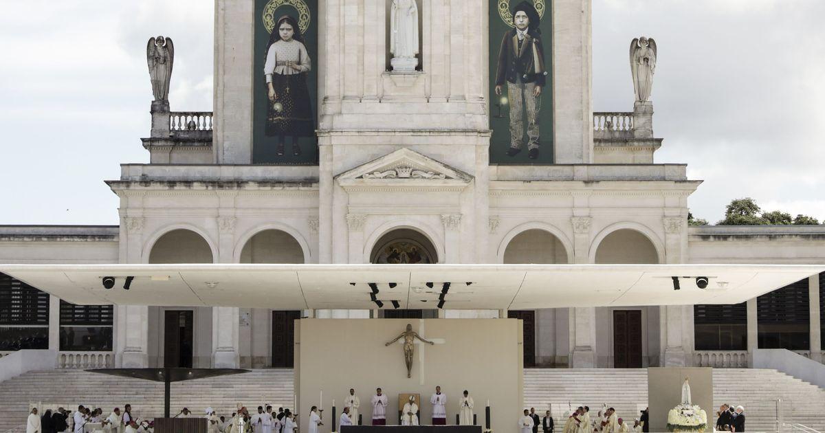 Pope Francis declares two Portuguese shepherd children  saints in Fatima