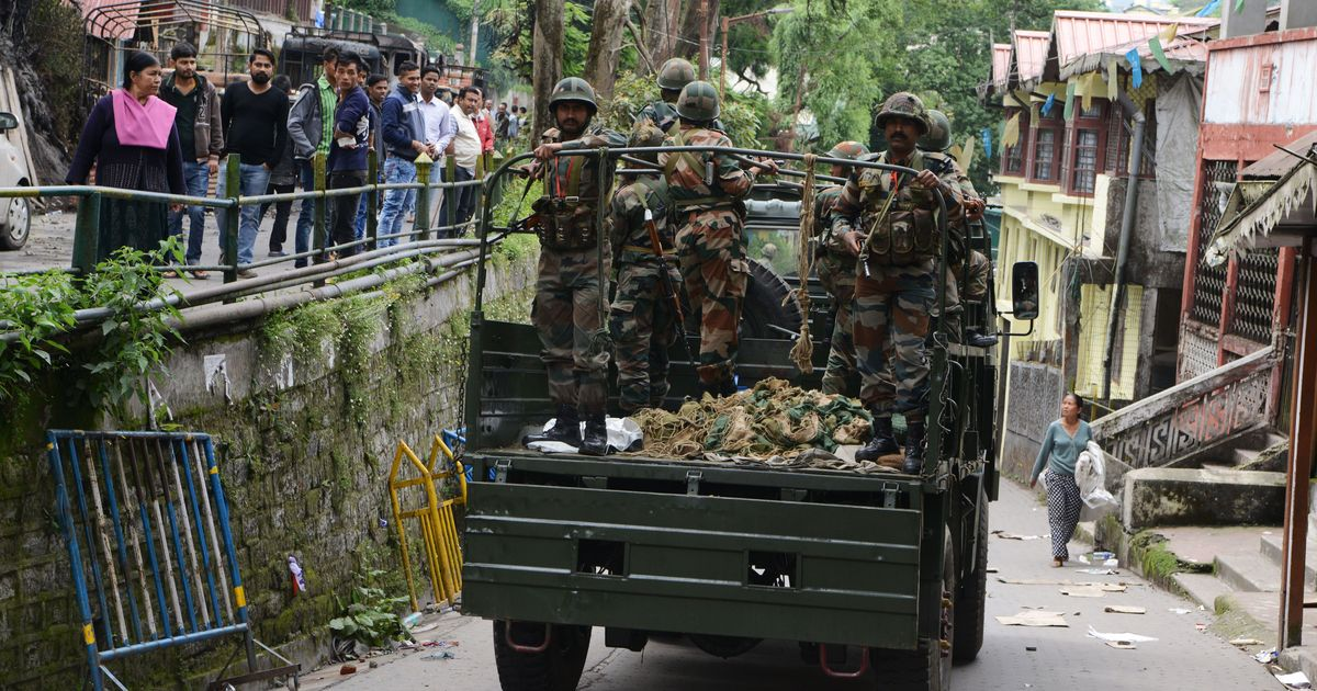 Darjeeling: Thousands of tourists stranded as shutdown called over imposition of Bengali in schools