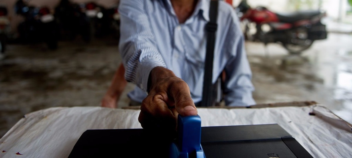 If Supreme Court made PAN-Aadhaar partly optional, how can a bank-Aadhaar link be mandatory?