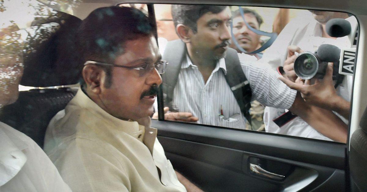 RK Nagar bye-poll bribery case: EC orders FIR against Tamil Nadu CM Palanswami, TTV Dinakaran