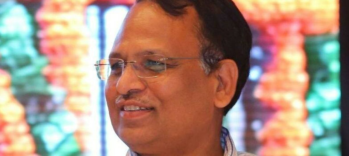 CBI team at Delhi minister Satyendar Jain's house, questions his wife about alleged money laundering