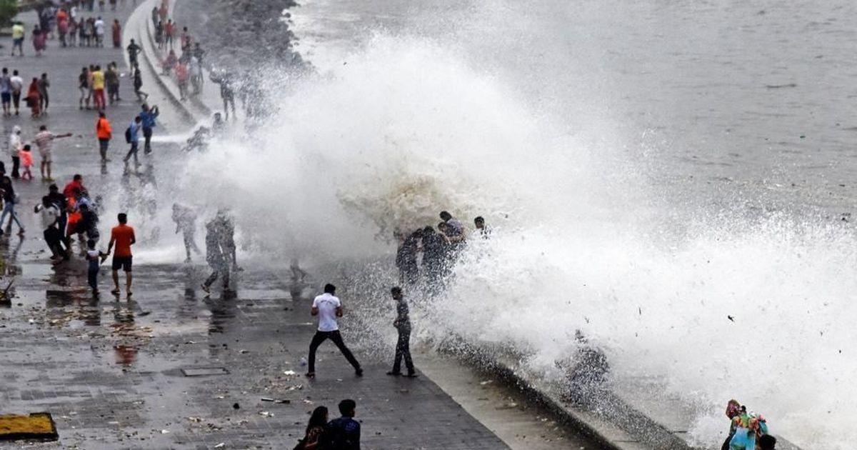 Mumbai: Girl washed away at Marine Drive as rain continues in the city