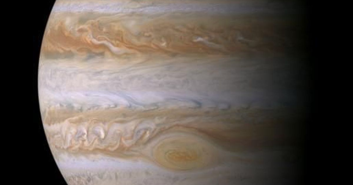 Nasa's Juno will fly directly over Jupiter's Great Red Spot today
