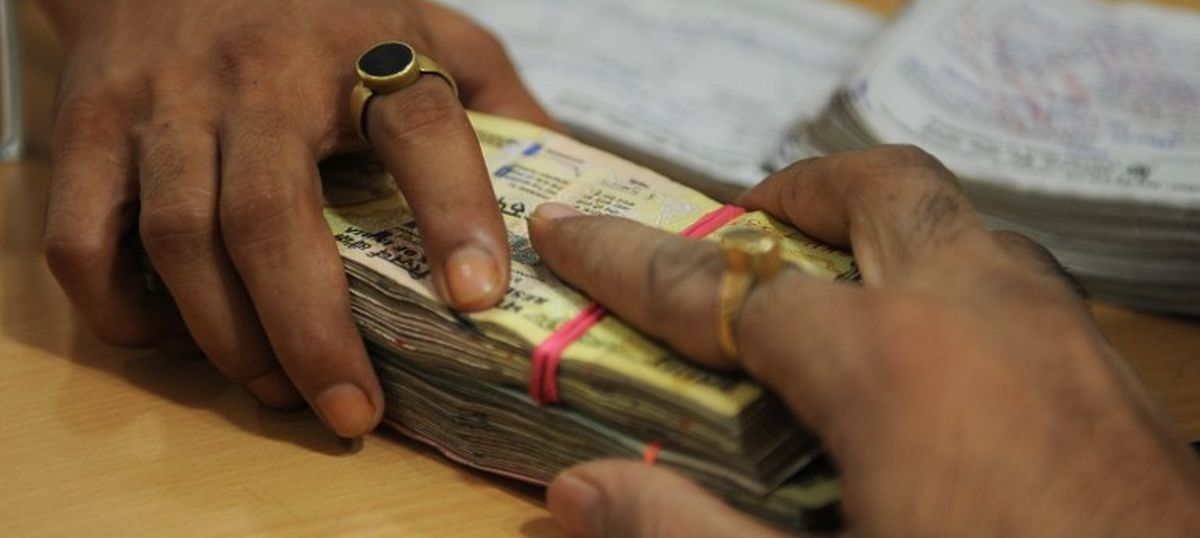 I-T sleuths identify another 5.56 lakh cases where tax profiles do not match demonetisation deposits