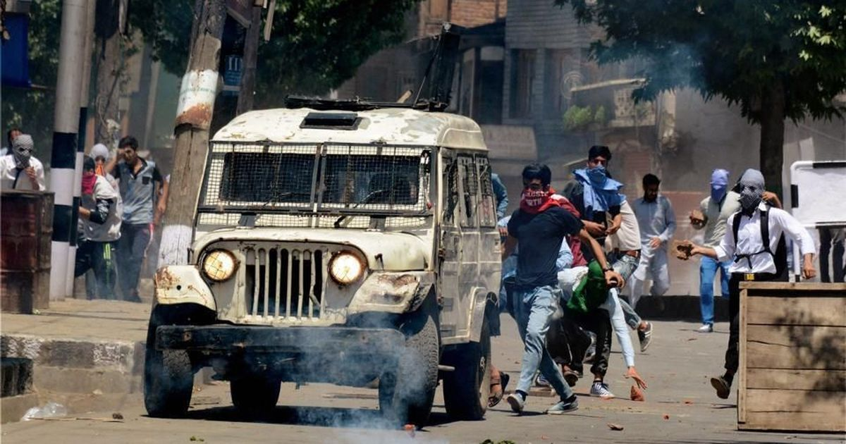 Jammu and Kashmir: Third day of restrictions in Srinagar amid continuing clashes