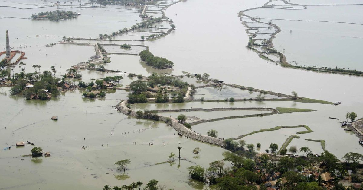 An unusual weather phenomenon explains why eastern and western India are flooding