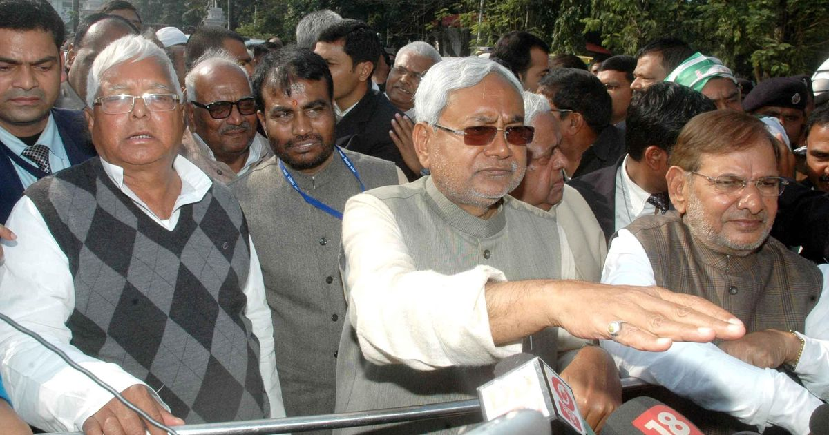 Lalu Prasad claims JD(U) co-founder Sharad Yadav was on the RJD's side in the political row in Bihar