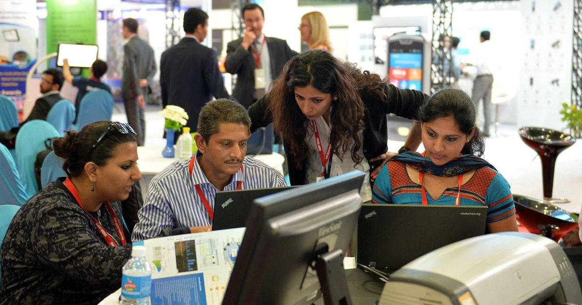 New data on H-1B visas prove that US IT companies hire a lot from outside but pay very little